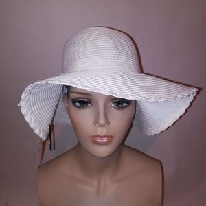 Floppy Beach Hat